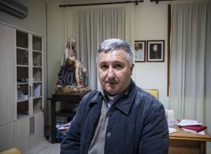 Don Mimmo nel suo studio