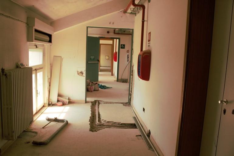 I lavori al quarto piano dell'ospedale di Urbino