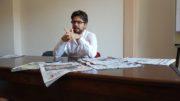 Stefano Feltri durante la sua lezione ai ragazzi dell'Ifg