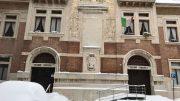 La facciata della scuola elementare e media Giovanni Pascoli di Urbino