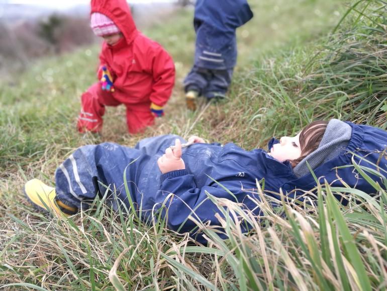 I bambini del progetto vivono tutta la giornata a contatto con la natura